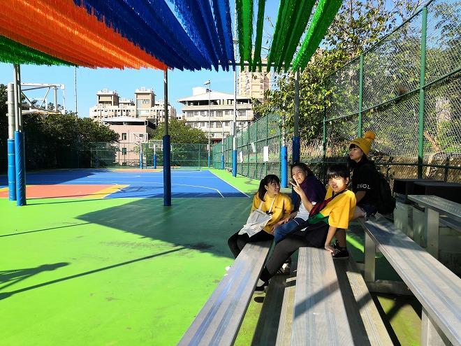 淡江大学 バスケットボールコートのベンチ