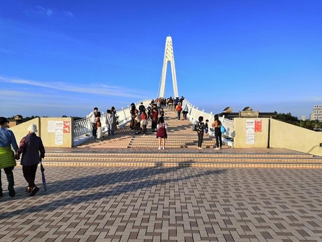 淡水 漁人碼頭 情人橋