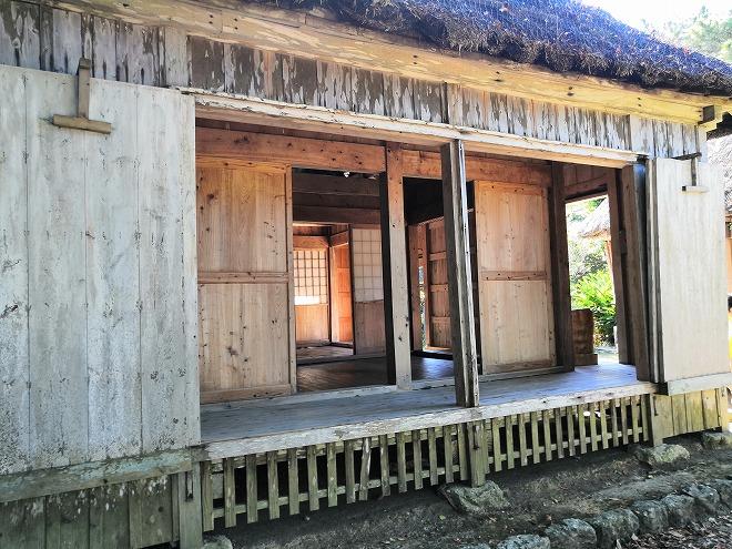 沖縄海洋博公園・おきなわ郷土村 与那国の民家