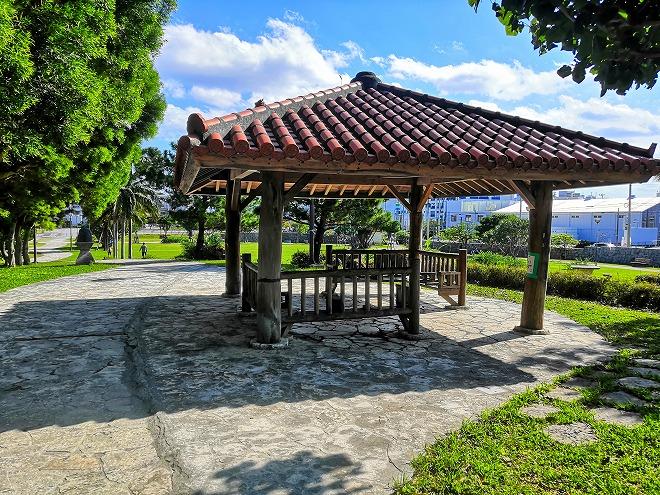 沖縄 組踊公園 国立劇場おきなわ側のさらに小高い場所のもう一つの東屋