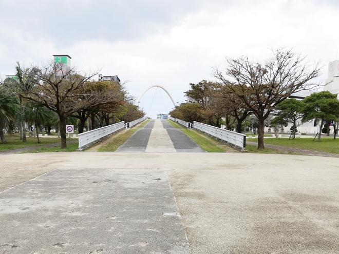 那覇新都心公園 高架橋