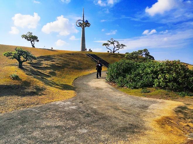 宜野湾 平和記念モニュメント