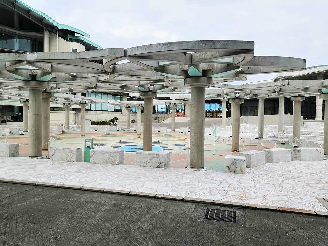 宜野湾市 沖縄コンベンションセンター 会議棟Aの前の噴水