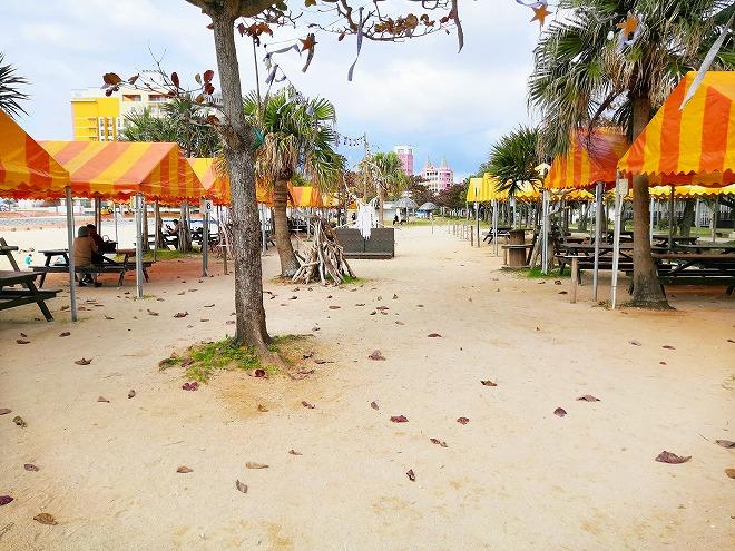 北谷サンセットビーチのビーチパーティ用のテント