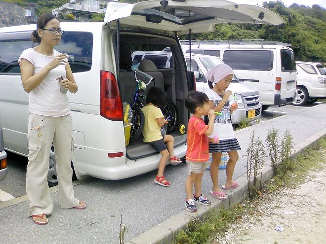 糸満市ジョン万ビーチ(大度浜海岸)駐車場