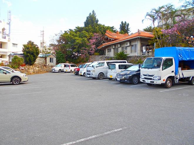 那覇 琉球八社 識名宮の駐車場