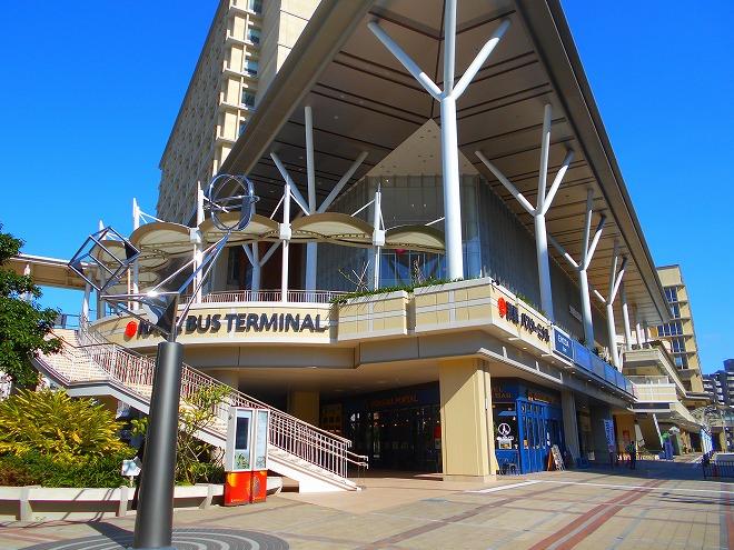 カフーナ旭橋・新那覇バスターミナル のビル外観