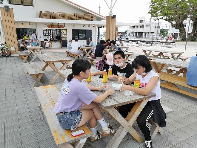 沖縄県八重瀬町「南の駅 やえせ」休憩スペース