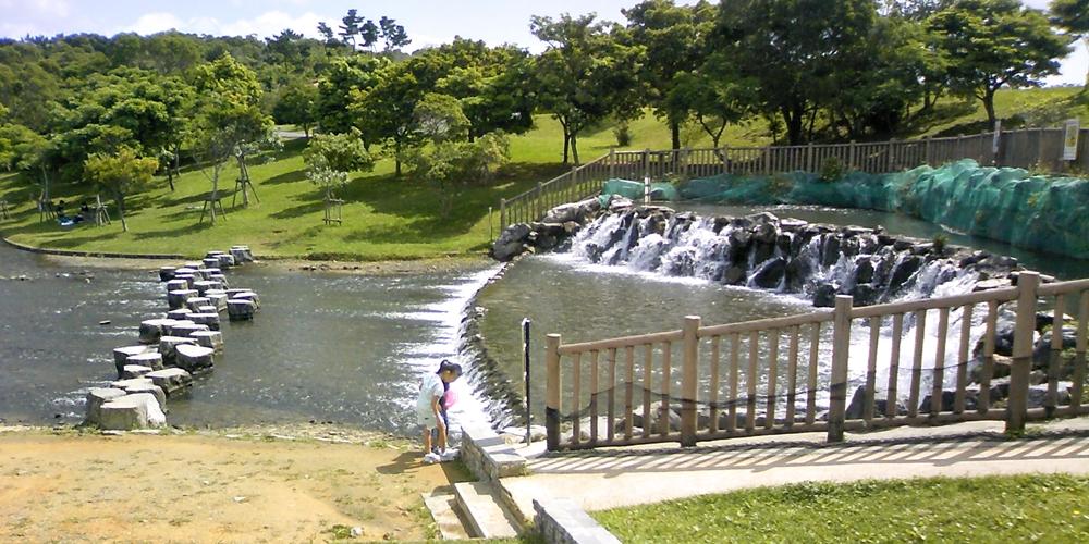 沖縄県 うるま市 倉敷ダム公園 水遊び「ヤンバルムイ」