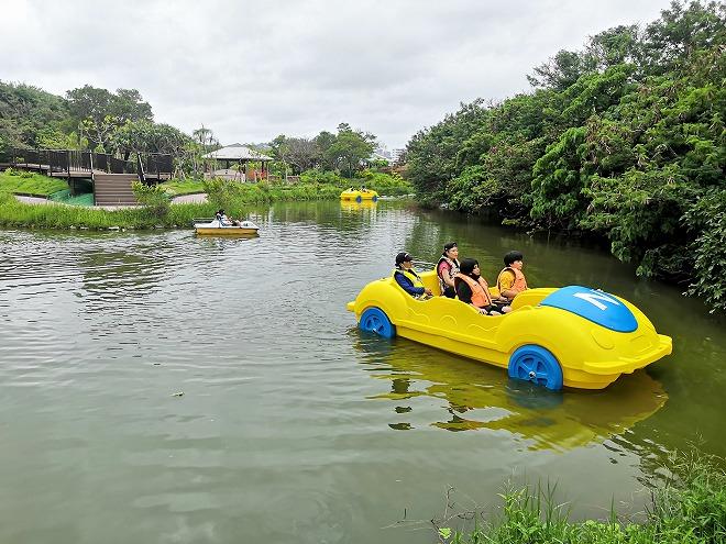 沖縄市・沖縄県総合運動公園・県総ボート遊び 4人乗りボート
