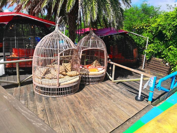 那覇ビーチリゾート「コージー ビーチ クラブ」籠型のシート
