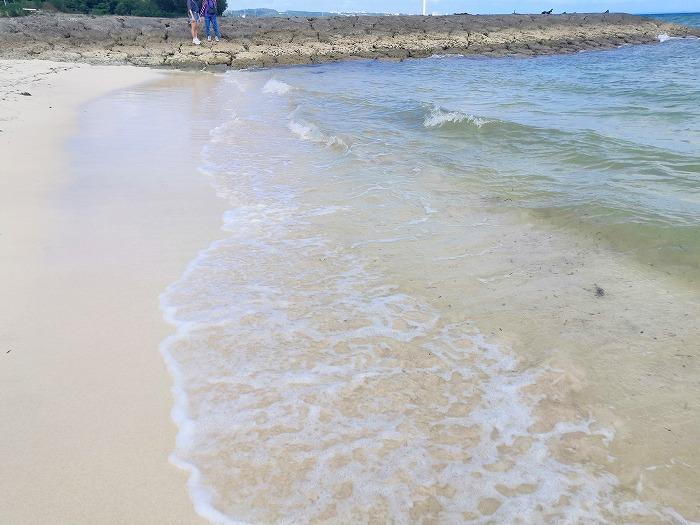 金武町 屋嘉ビーチの右側のビーチ
