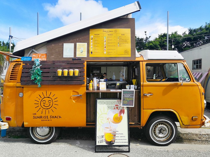 金武町 屋嘉ビーチ ワゴンパーラー「The Sunrise shack Hawaii」