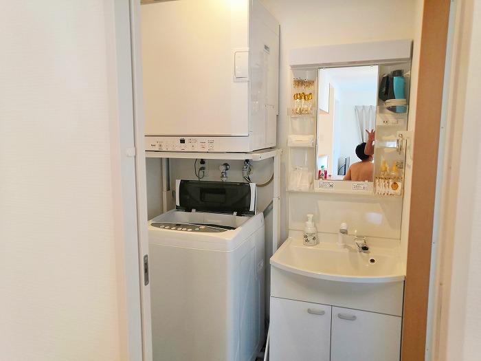 沖縄県金武町屋嘉「スノーボールコンドミニアム」黄色のミセス スノーボール棟のお風呂場の洗面所