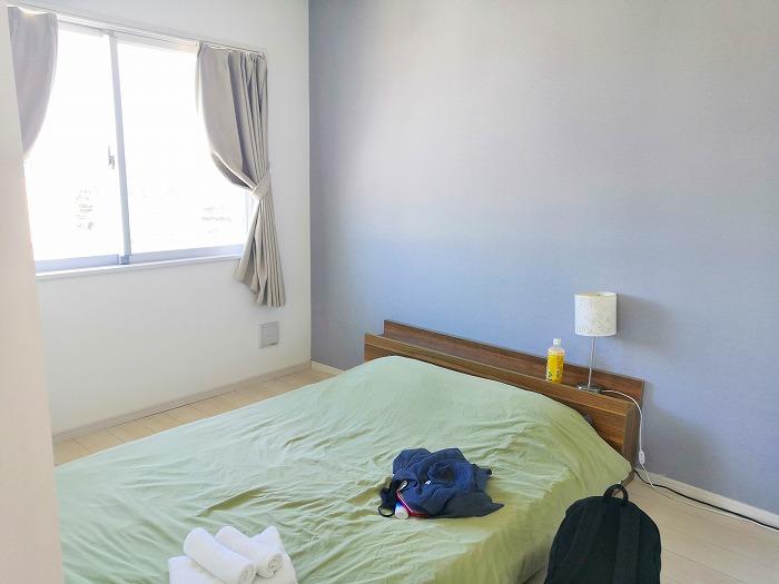 沖縄県金武町屋嘉「スノーボールコンドミニアム」黄色のミセス スノーボール棟の海側のキッチンの隣の部屋