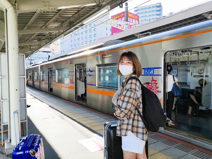 京成成田駅構内プラットフォーム
