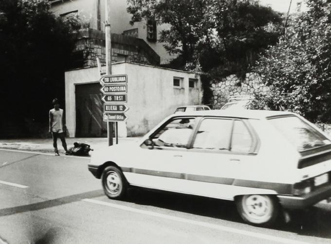 ユーゴスラビア。Hitchhike in Yougoslavia. title=